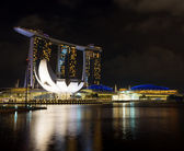 Marina Bay Sands in financial district of Singapore — Stock Photo