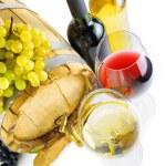 rode en witte wijn op witte achtergrond — Stockfoto #36979763
