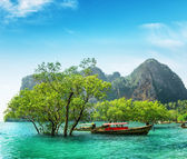 Boats on Railay beach, Thailand — Stock Photo