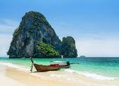 Boats on Phra Nang beach, Thailand — Stock Photo