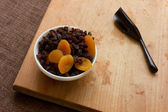 Dried apricots, raisins — Stock Photo