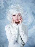 Modelo de moda con maquillaje de nieve — Foto de Stock