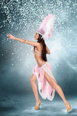 Beautiful dancer — Stock Photo