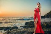 Young woman at resort — Stockfoto