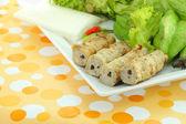 Vietnamca stil gıda odak domuz köşe masada ayarla. — Stok fotoğraf