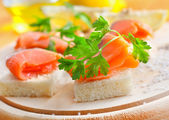 Bread with salmon — Stock Photo
