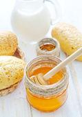 Honey,bread and milk — Stock Photo