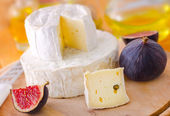 Cheese and fig — Stock Photo