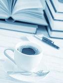 кофе и примечание — Стоковое фото
