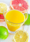 Juice with fruit — Stock Photo