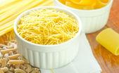 сырая паста — Стоковое фото