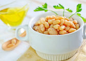 White beans in bowl — Stock Photo