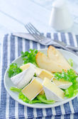 Salad with camembert and pears — Stock Photo