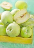 яблоки в поле — Стоковое фото