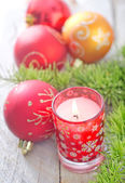 Candle and Christmas decoration — ストック写真