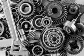 Engrenagens de metal, parafusos e porcas — Fotografia Stock