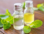 Mint oil — Stock Photo
