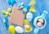 Easter eggs with paper for messages — Stock Photo
