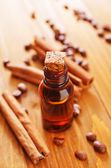 Aroma oil with cinnamon — 图库照片