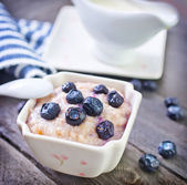 Oat flakes with blueberry — Stock Photo