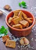 Croutons with salt and garlic — Stock Photo