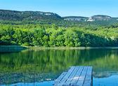 Widok na jezioro — Zdjęcie stockowe