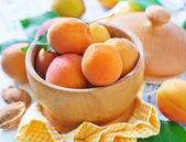 Apricots in bowl — Foto Stock