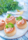 Tartalets with shrimps — Photo