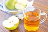 Apple juice  with apples — Stock Photo