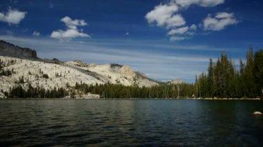 Może jeziora, time-lapse — Wideo stockowe