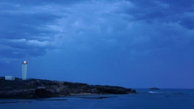 Lighthouse and storm clouds — Stock Video