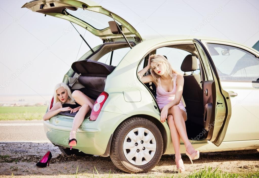Две в машине блондинки фото 461-251