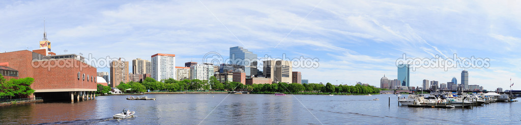 Boston skyline panorama over Charles River with boat and urban architecture. — Stock Photo #13183821