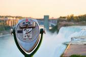 бинокль с видом на ниагарский водопад — Стоковое фото
