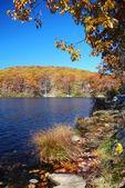 Autumn Mountain with lake — Stock Photo