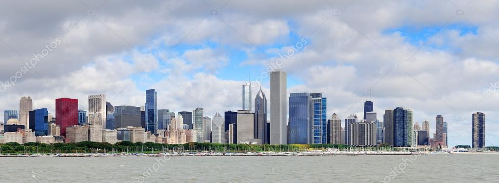 Chicago skyline panorama with skyscrapers over Lake Michigan with cloudy blue sky. — Stock Photo #14247375