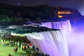 Niagara Falls at night — Stockfoto