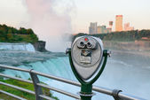 Binocular overlook American Falls — Stock Photo