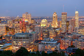 Montreal at dusk — Stockfoto