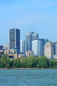 Montreal city skyline over river — Stock Photo