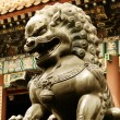 Bronze lion statue — Stock Photo