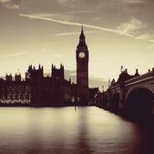 伦敦在黄昏 — 图库照片