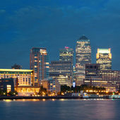 London Canary Wharf at night — Stok fotoğraf