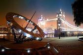 Sundial and Tower Bridge — Stock Photo