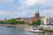 Cityscape along the Weser river in Bremen, Germany — Stock Photo