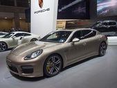 TOKYO, JAPAN - November 23, 2013: Porsche Panamera at the Booth of Porsche — Stock Photo