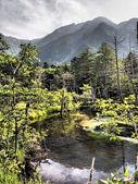 Azusa river and Hotaka mountains in Kamikochi, Nagano, Japan — Foto Stock