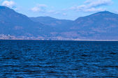 Bridge across Okanagan Lake — 图库照片