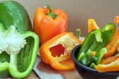 Green and Orange Peppers Sliced — Stock Photo