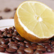 Lemon and coffee beans (composition) — Stock Photo